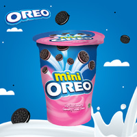 Oreo Mini Biskuit Krim Strawberry 67 gram