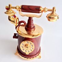 Souvenir Gift Kotak Musik/Music Box Unik Antique Telephone